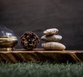 Zirbenholz Weihrauch - ein aromatisches Räucherwerk